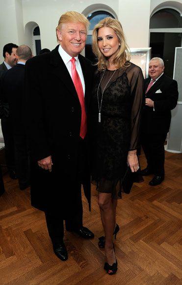 Ivanka Trump podría ser una niña consentida, al ser hija del magnate Donald Trump, pero decidió estudiar y dedicarse a trabajar en la empresa familiar, donde ha demostardo que es una buena mujer de negocios