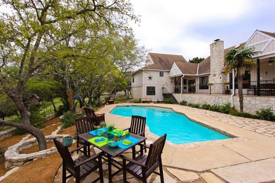Boerne, Texas, USA Single Family Home  For Sale - Spacious but Cozy - IREL is the World Wide Leader in USA Real Estate