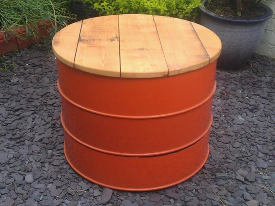 SalvoWEB : Oil Drum table/stool