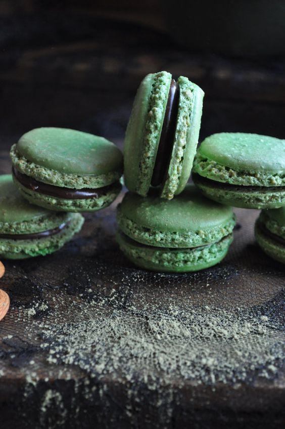 Matcha macarons: