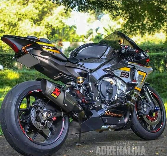 Facebook Page: https://www.facebook.com/Moto-Adrenalina-Official-108973452895571/