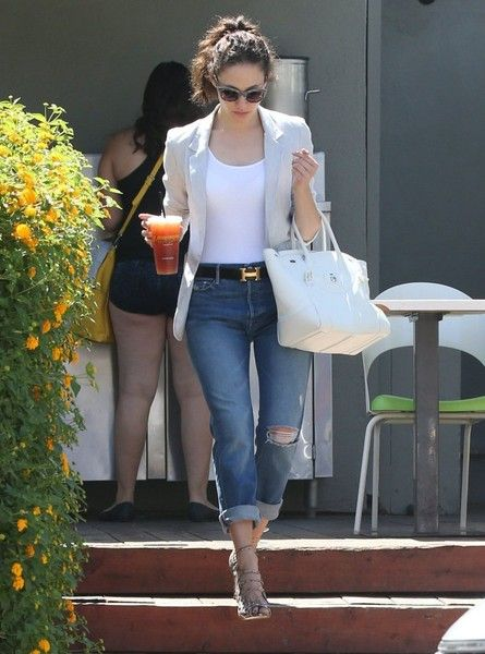 Emmy Rossum Out For Lunch at Lemonade: