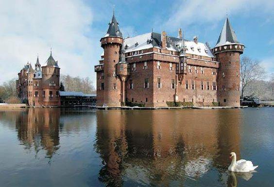 Kasteel de Haarnear Haarzuilens, in the province of Utrecht in the NetherlandsNetherlands52.1214,4.9863
