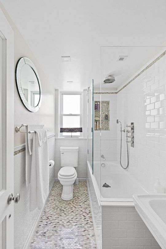 31 Decorating Bathroom Explained Athomebyte With Images Small Narrow Bathroom Small Bathroom With Tub Bathroom Layout