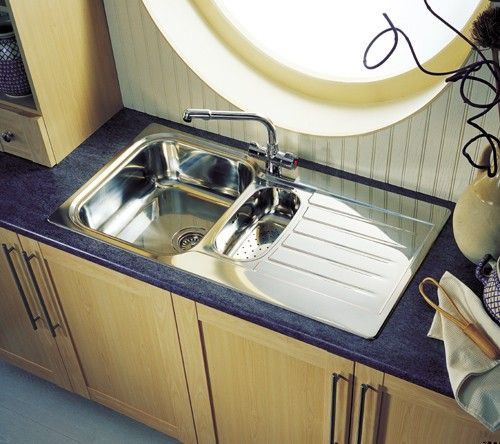 "Leisure Sinks ""Seattle"" 1 tap hole reversible1.5 bowl stainless steel kitchen sink. (U.K.)"