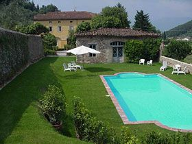 Villa Book for booking villas in Tuscany, France, etc.