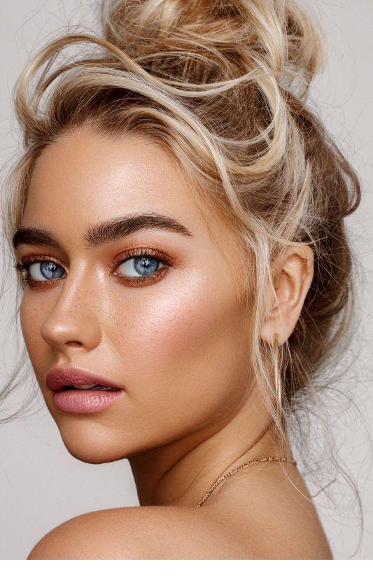 Haare make augen blonde up blaue Blaue Augen