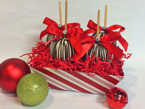 Peppermint Twist 4-pack Tote *4 Gourmet Apples beautifully arranged in a peppermint twist tote box 2 flavor options available (drop down menu with 2 options, use same choices) $55.00