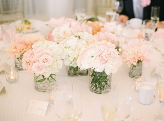 pretty clusters of white and light pink flowers: