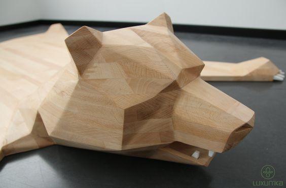 Wooden bear rug by Luxunika