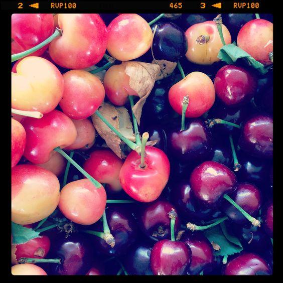 Beautiful rainier and big cherries! #kaisersouthsanfranciscofarmersmarket #localfood #slowfood #bayareaslowfood