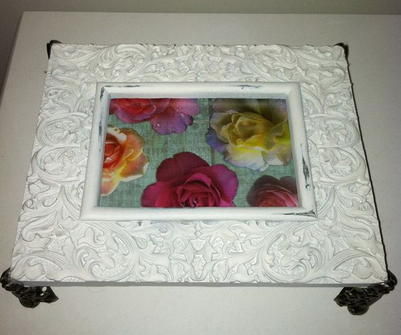Picture frame table