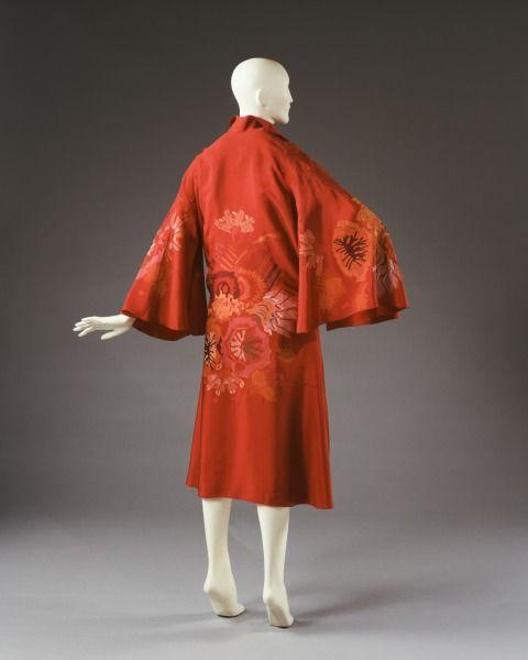 1925-1928, France - Silk Coat: