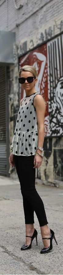 Black pant and polka dot top. Reminds me of Audrey Hepburn :-):