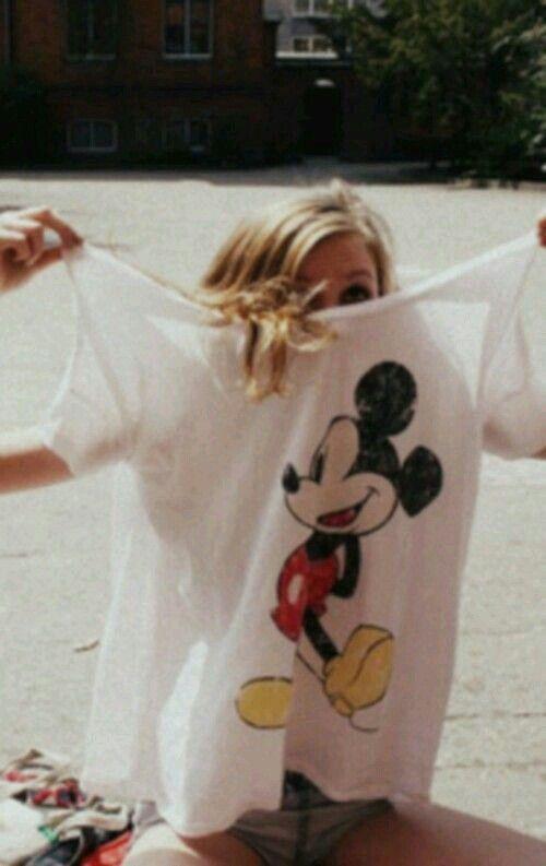 Bild über We Heart It #blond #grunge #hair #hipster #mickeymouse #shirt #soft #style #vintage #white