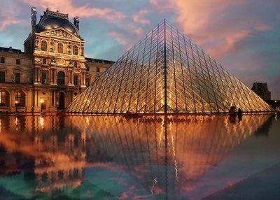 Beautiful sunset view of the Louvre Museum in Paris!