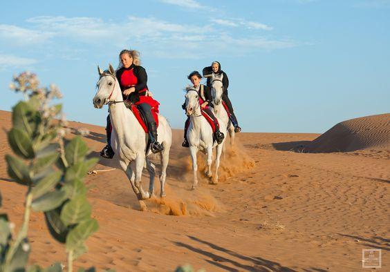 Reiten durch die Wüste von Ras al Khaimah - Vereinigte Arabische Emirate  #Reiten #Wüste #RasalKhaimah #Emirate #Dubai #Sonnenuntergang