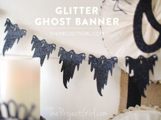 Halloween Glitter Ghost Banner made with Cricut Explore -- The Project Girl. #DesignSpaceStar Round 3