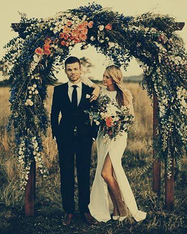 """""""Hoje é dia de mudar a vida  www.anoivadebotas.com.br  #Wedding #casamento #instabride #instawedding #love #flores #flowers"""""""