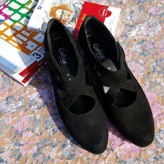 Ausbeute des Morgens Teil 2: Die Sehen-toll-aus-und-machen-hoffentlich-keine-Blasen-Schuhe #shopping #buchmesse