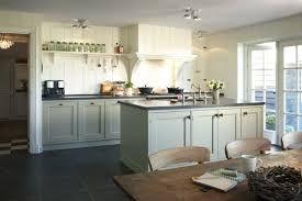 Google Afbeeldingen resultaat voor http://cdn4.welke.nl/photo/scale-614xauto-wit/mooie-jaren-30-retro-keukenopstelling.1358947599-van-DrDush...