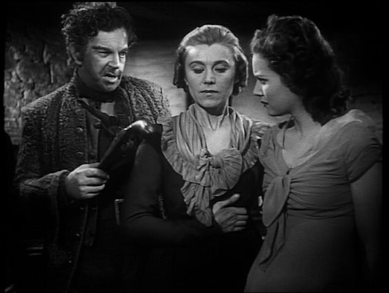 Joss Merlyn/Leslie Banks, Patience Merlyn/Marie Ney and Mary Yellen/Maureen O'Hara - 'Jamaica Inn' (1939):