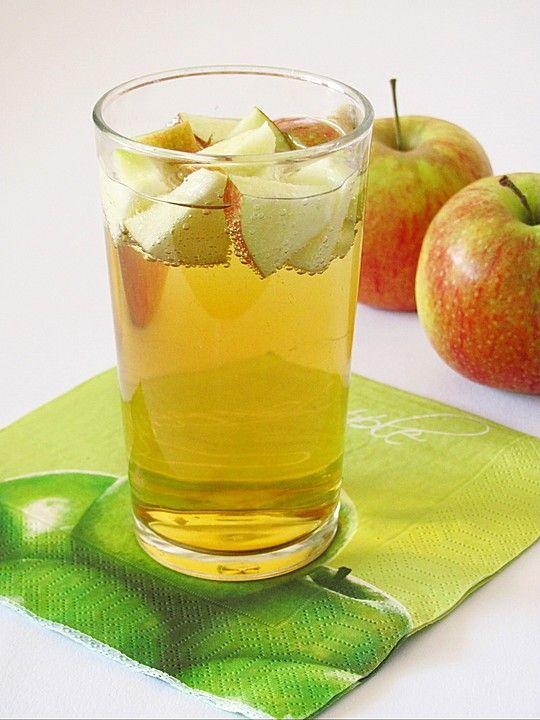 Apfelbowle, ein leckeres Rezept aus der Kategorie Alkoholfrei. Bewertungen: 8. Durchschnitt: Ø 3,2.