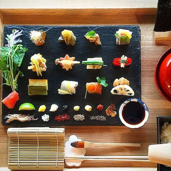 Minimalistic Kyoto Japanese food. Simple yet delicious flavors!: http://buff.ly/1NR5AOp?utm_content=buffera7414&utm_medium=social&utm_source=pinterest.com&utm_campaign=buffer