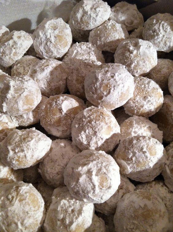 Yummy, walnut snowballs