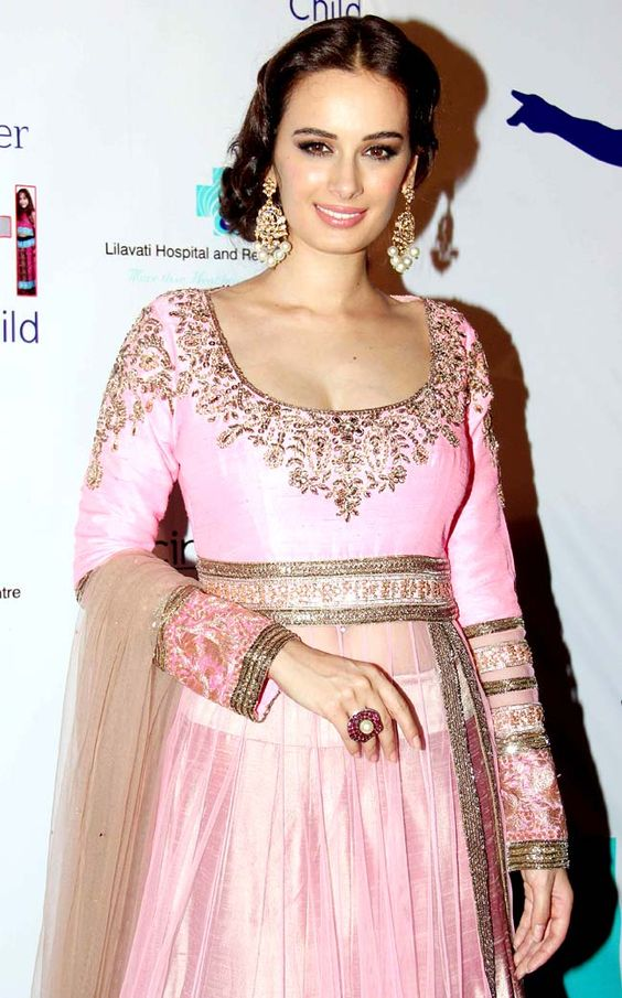Evelyn Sharma poses backstage at designer Manish Malhotra's fashion show. #Style #Bollywood #Fashion #Beauty