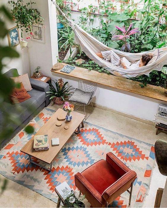 """Cora Arquitetura & Design on Instagram: """"Sábado...🍃🧡 sala com todo aconchego!@historiasdecasa #designinteriores#cora4design#projetocora#tapetes#saladeestar#decor"""""""