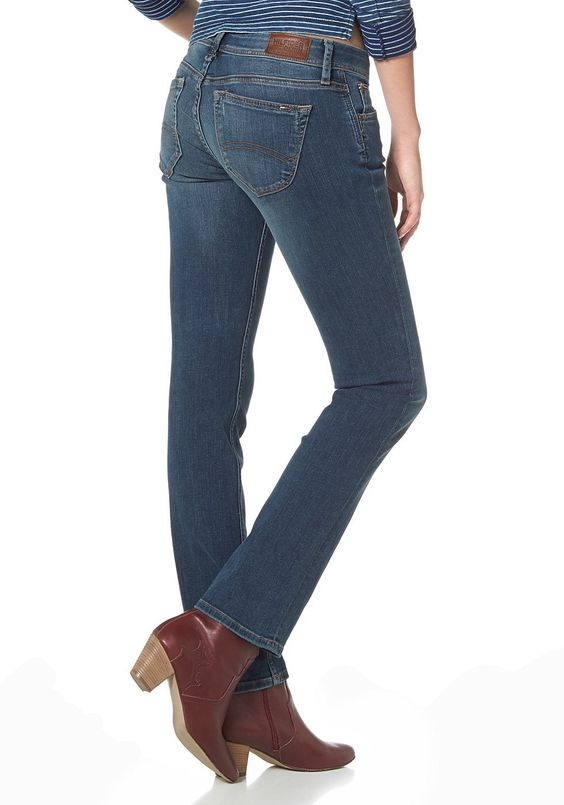 Materialzusammensetzung , Obermaterial: 98% Baumwolle, 2% Elasthan, |Material , Baumwollmischung, |Materialart , Jeans, |Materialeigenschaften , Stretch, |Stil , casual, |Waschung , used, |Leibhöhe , niedrig, |Beinform , gerade, |Beinabschluss , durchgesteppt, |Passform , schmal, |Schnittform Länge , lang, |Applikationen , Patches, |Taschen , Eingrifftaschen, aufgesetzte Taschen, |Verschluss , ...