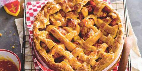 Als het buiten kouder wordt, is niets zo fijn als binnen lekker een warme taart bakken. En niet weer een chocolade- of slagroomtaart, maar een heuse appel-speculaastaart. Lekker én simpel. Nodig: springvorm (Ø 24 cm) deegroller Ingrediënten: 1 ei 2…