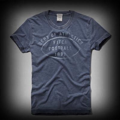 アバクロ メンズ Tシャツ  Abercrombie&Fitch Rollins Pond Tee Tシャツ★色あせ古めかされたメッセージのロゴプリントがいい味が出ている。 ★ヴィンテージウォッシュがコーディネイトしやすくて個性的な古着っぽさな味がでてお洒落。