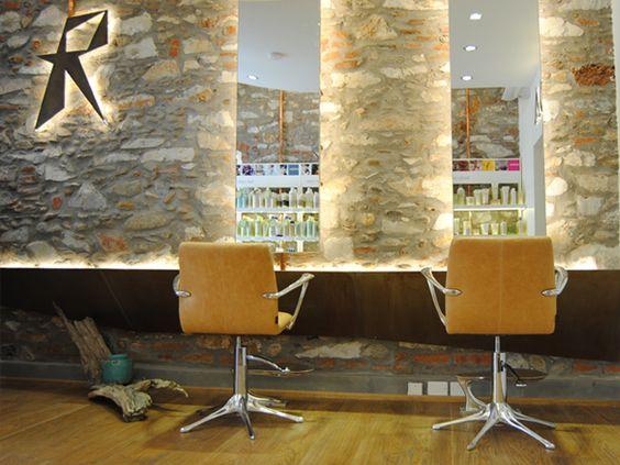 Arredamento per parrucchieri realizzato su progetto for Arredamento x parrucchieri