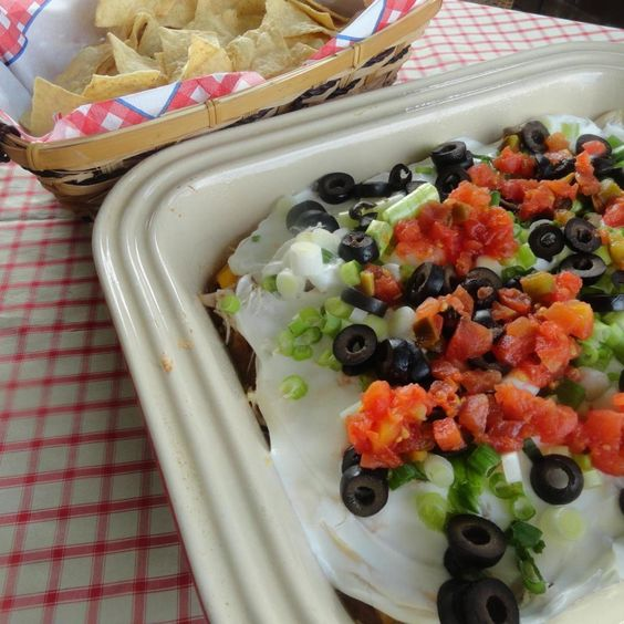 Nacho dip, Chicken nachos and Nachos on Pinterest