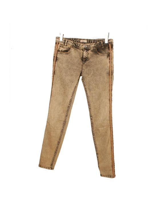 Pantalón pitillo desgastado Pull&Bear 26€