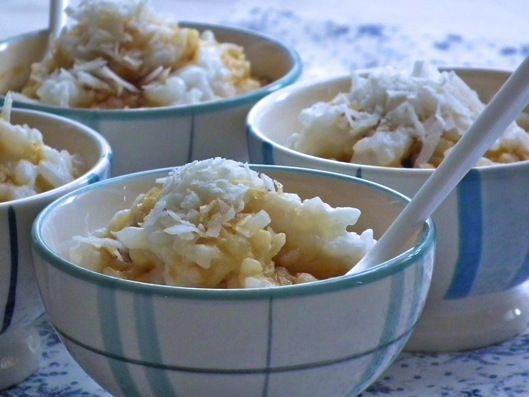 Riz au lait de coco et son sirop de sucre de palme