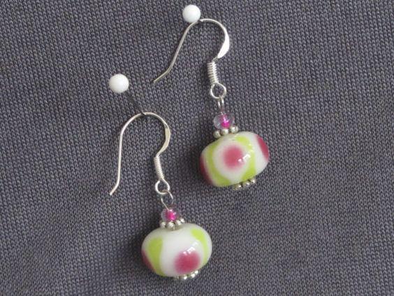 Ohrringe Elfe mit Lampworkperlen weißrosagrün ca. 13 von FilzGarten, €7.00