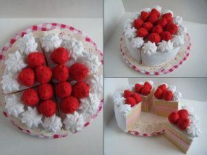 Strawberry felt cake