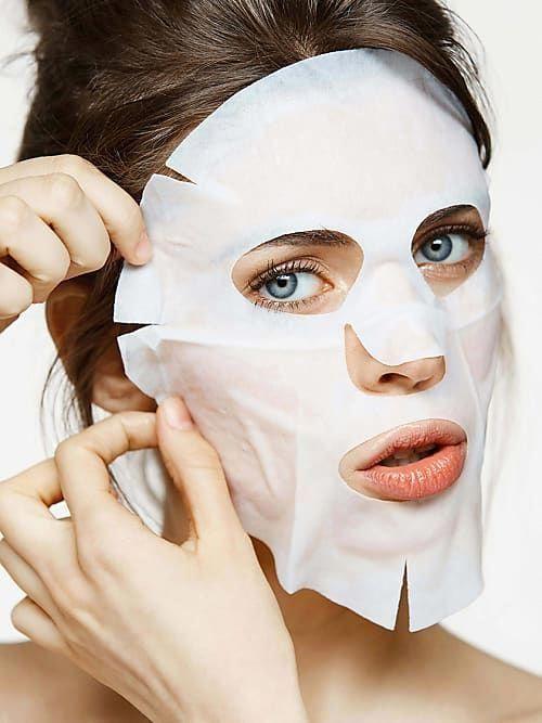 Signale aus dem All empfangenen wir jetzt vom Planeten Foreo! Das schwedische Unternehmen, das sich auf Hightech Hautpflege-Tools spezialisiert hat, präsentiert jetzt nämlich die Zukunft der Gesichtsmasken und lässt ein echtes UFO in der Beautywelt landen. #Beautyskin