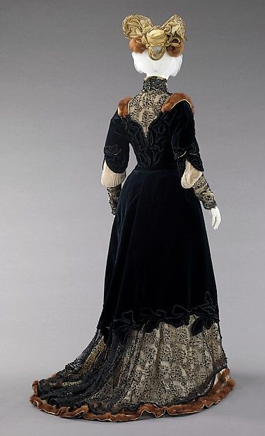 Afternoon ensemble Designer: Raudnitz and Co. - Huet and Chéruit  (French) Designer: Madame Virot Date: 1898–1900 Culture: French Medium: silk, fur