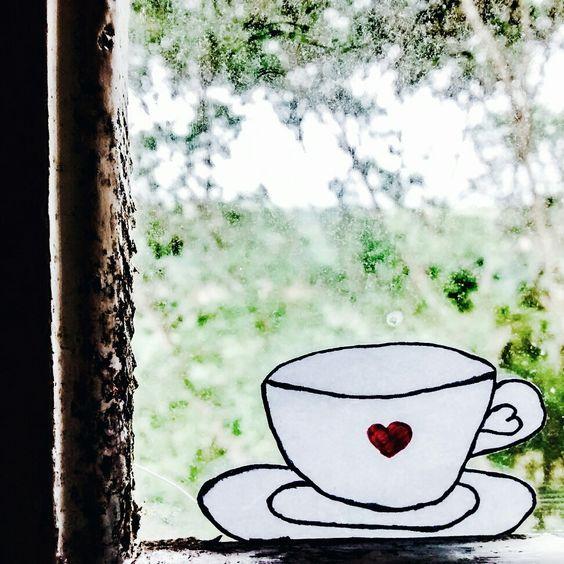 As vezes precisamos de uma xícara de otimismo para aquecer nosso coração.  Frase: Joicy Recco