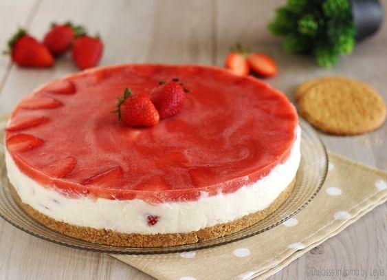 Torta fredda allo yogurt e fragole senza forno Dulcisss in forno by Leyla