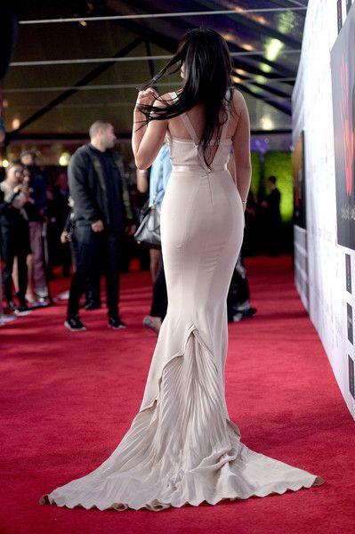 Kylie Jenner Photos - Kylie Jenner Hits LAX - Zimbio