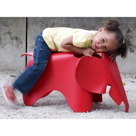chaise-elephant-pour-enfant-charles-ray-eames-vitra.jpg 600×600 pixels