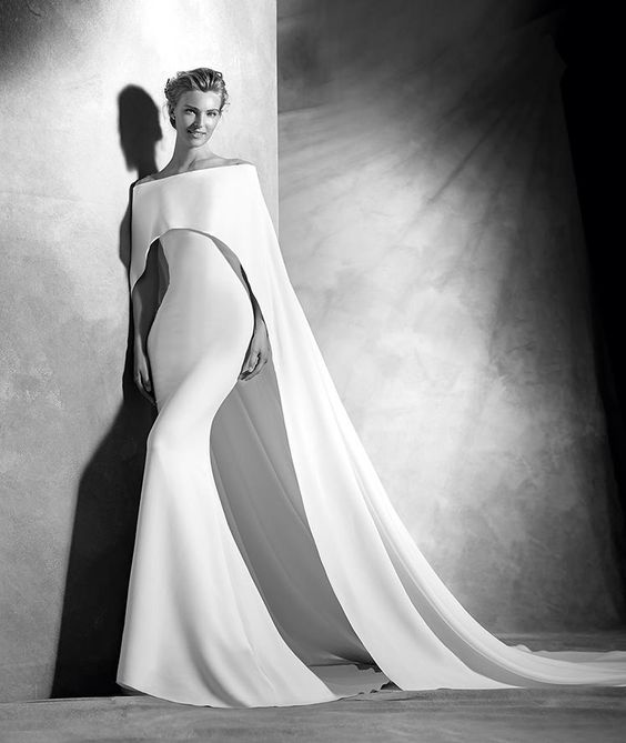 Verona, robe de mariée originale, décolleté en cœur, style élégant