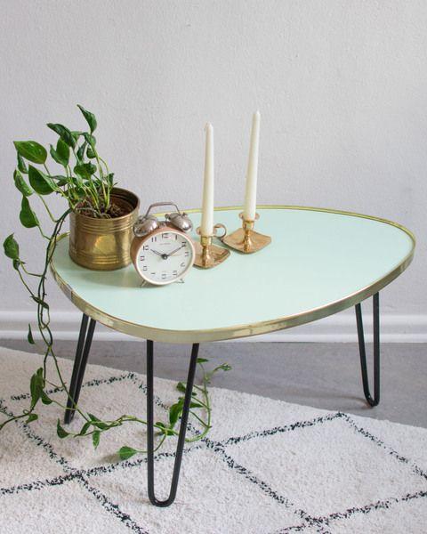 Mighty Home Ovaler Wohnzimmertisch Mit Konisch Zulaufenden Beinen Avocadostore Wohnzimmertisch Resopal Tisch Tisch