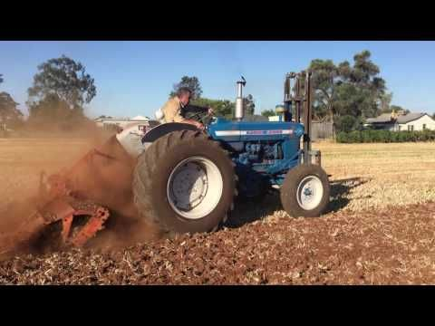 Ford 5000 Tractor Working Youtube Trattori