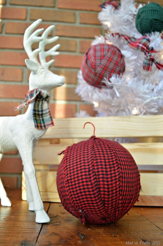LOTS of unique ideas and inspiration for using plaid Christmas decor in your home for the holidays, including both buffalo check and traditional plaids.